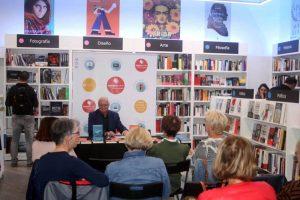 Armand Amapolas in der Buchhandlung Librería Agapea, Orotava, Tenerife