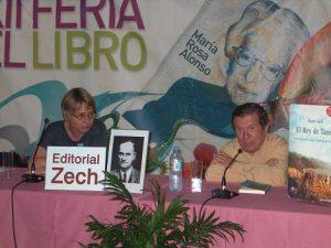 "Verena Zech und Ánghel Morales präsentieren ""Bajo el drago"" auf der Buchmesse Santa Cruz de Tenerife"