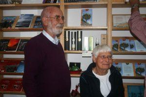 Peter und Ingrid Schönfelder präsentieren ihr Buch über die heimische Flora der Kanaren im Mundo del Mapa, Puerto de la Cruz