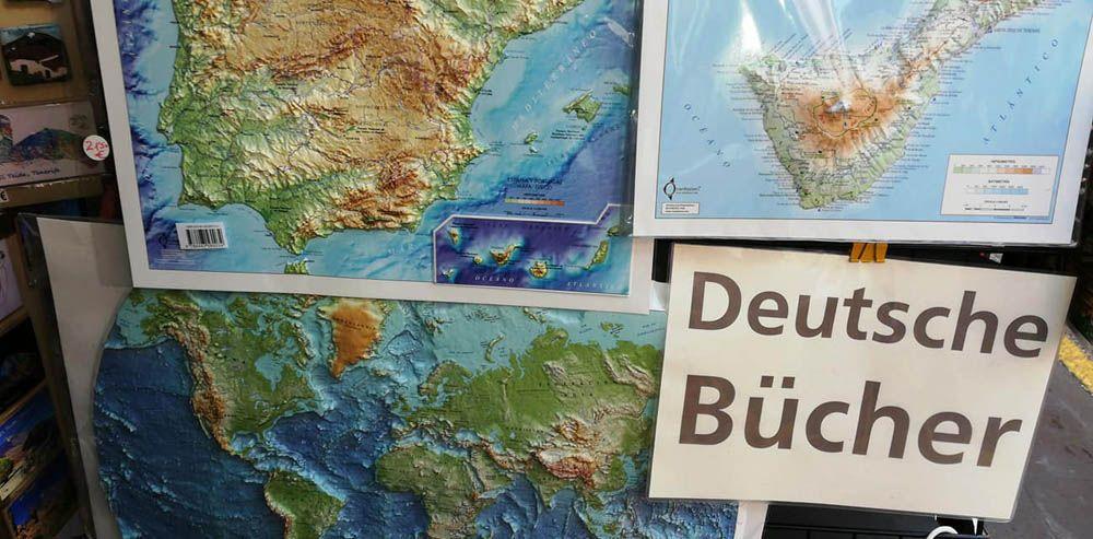 Reliefkarten und deutsche Bücher